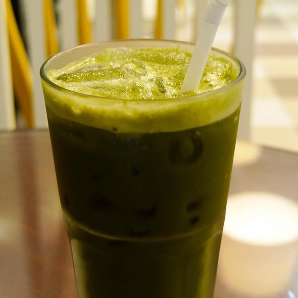 Organic Matcha Ice Green Tea @ beOrganic at The Portico Langsuan