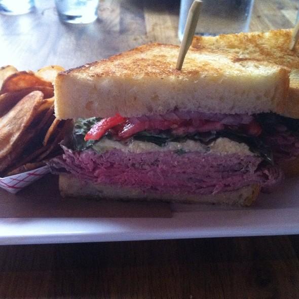 Roast Beef Sanwich @ Meat & Potatoes