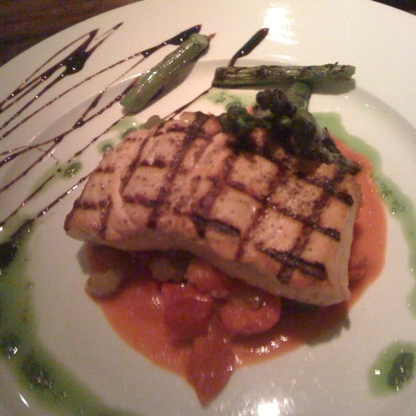 Grilled Salmon @ Vicoletto
