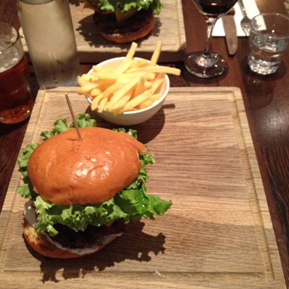 Burger @ Chez Bob