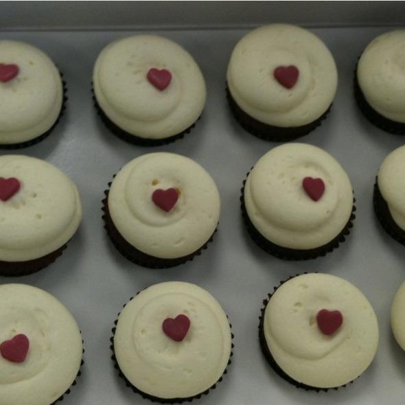 Red Velvet Cupcakes @ Georgetown Cupcakes