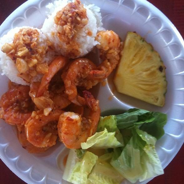 Garlic Shrimp @ Fumi's Kahuku Shrimp