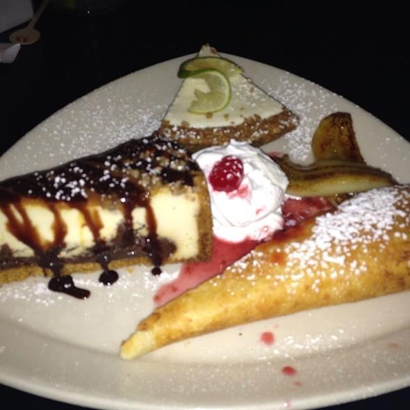 Fried Cheesecake, Turtle Cheesecake, Key Lime Pie, Sauteed Bananas - Big Chow Grill, Atlanta, GA