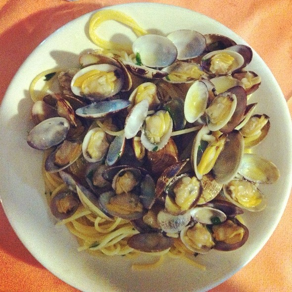 Spaghetti con le Vongole @ L'Isola Delle Sirene Di Russo Michele Sas