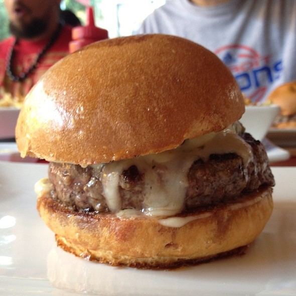Hatch Burger @ Umami Burger