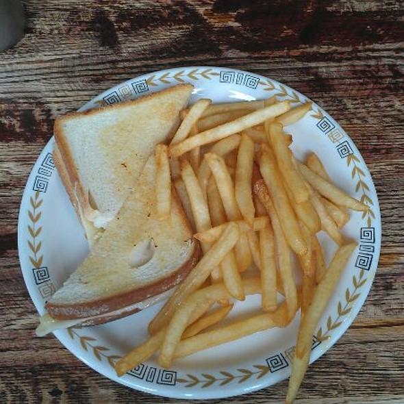 Robinwood Cafe Grille Jamaica Plain Ma