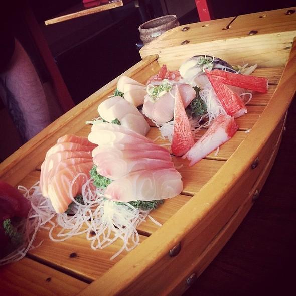 Sushi @ Singapore Grill and Sushi Bar