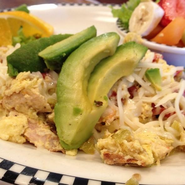 Acapulco Egg White Scramble @ Black Bear Diner