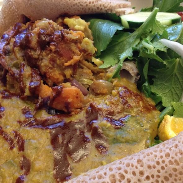 Veggie Plate @ Erie Trea Food Truck