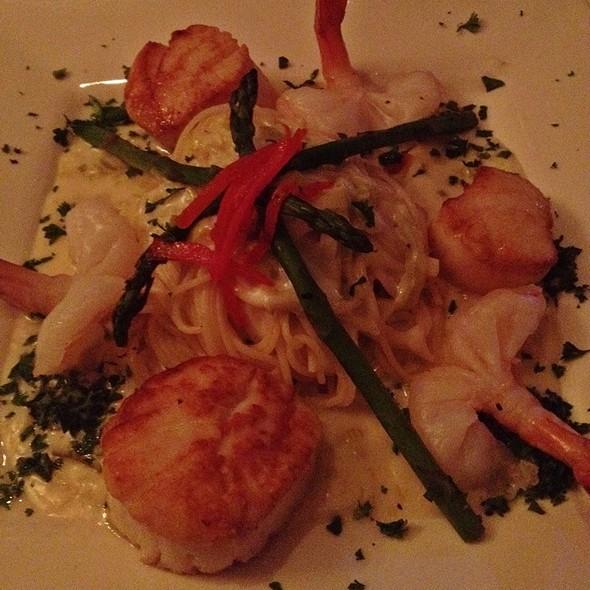 Shrimp And Scallops Chardonnay - Brentwood Restaurant & Wine Bistro, Little River, SC