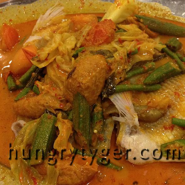 Signature Curry Fish @ Ka Soh Seafood Restaurant (Imbi)