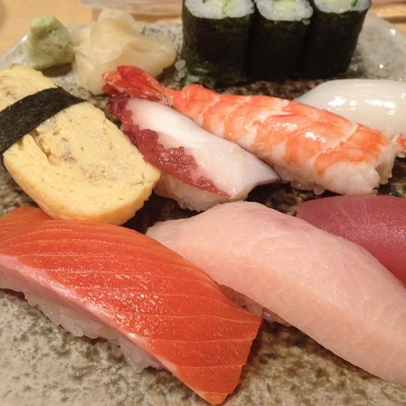 Sashimi @ Akashi Japanese Restaurant - The Paragon