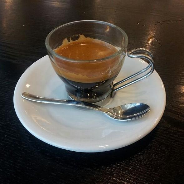 Espresso Dopio @ Joe And Dough - Suntec