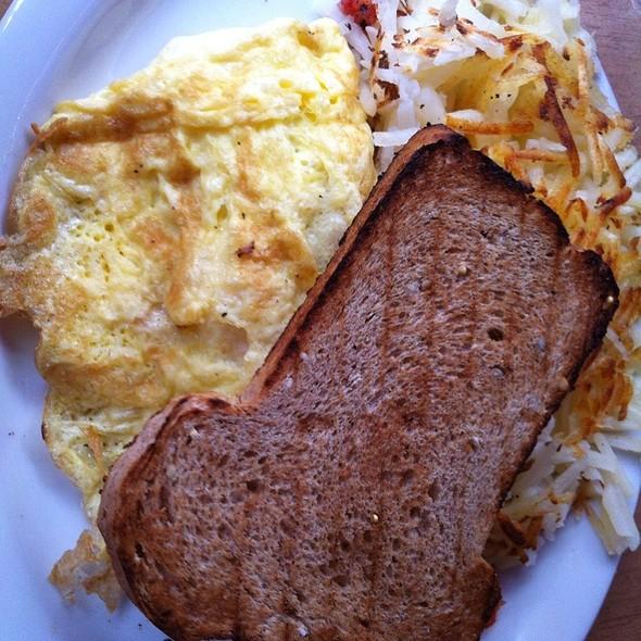 Cheddar Omlette - The Bunnery Bakery & Restaurant, Jackson, WY