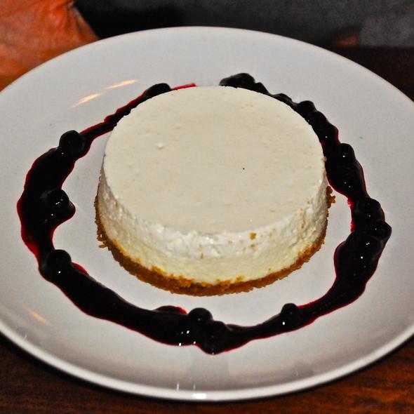 Gramma's Cheesecake @ emmer&rye