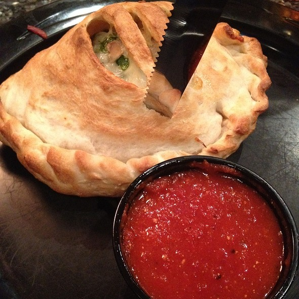 Florentine Spinach And Mushroom Calzone @ Ynot