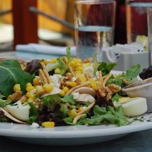 Salad @ Buckely House Saloon