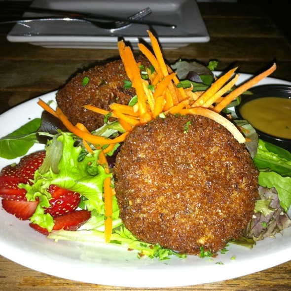 crab cake @ The Cafe at Books & Books