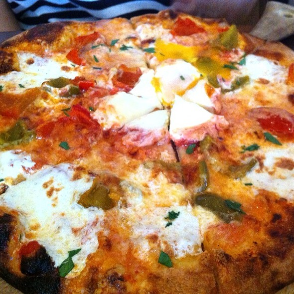 Clam Pizza @ Max London's