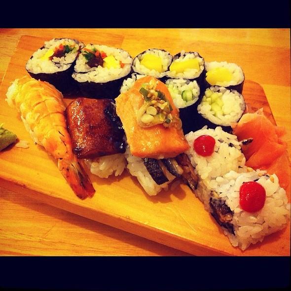 Lunch Special @ Yoshi Sushi