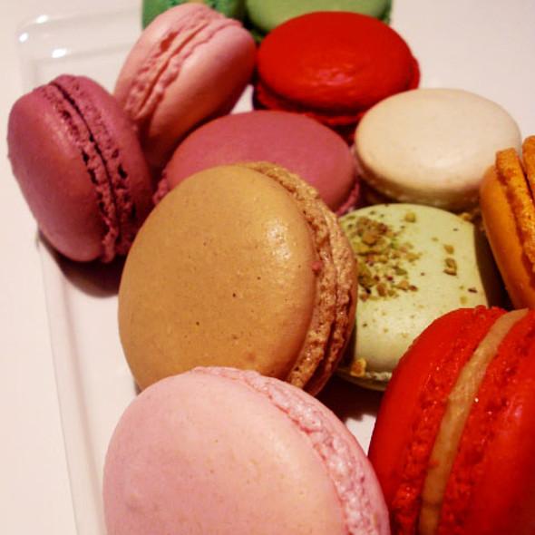 Macarons (assorted flavours) @ Nadege Patisserie