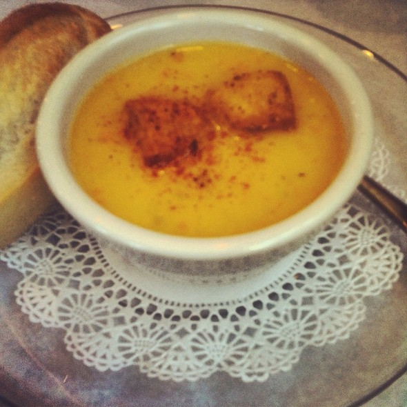 Beer Cheese Soup @ The Cheese Factory