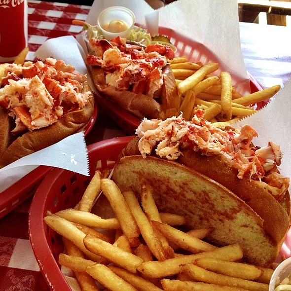 Naked lobster rolls with my mom and sis  @ Old Port Lobster Shack
