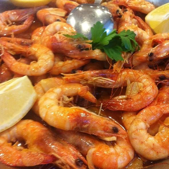 Camarones Al Ajillo (Garlic And Shrimp)