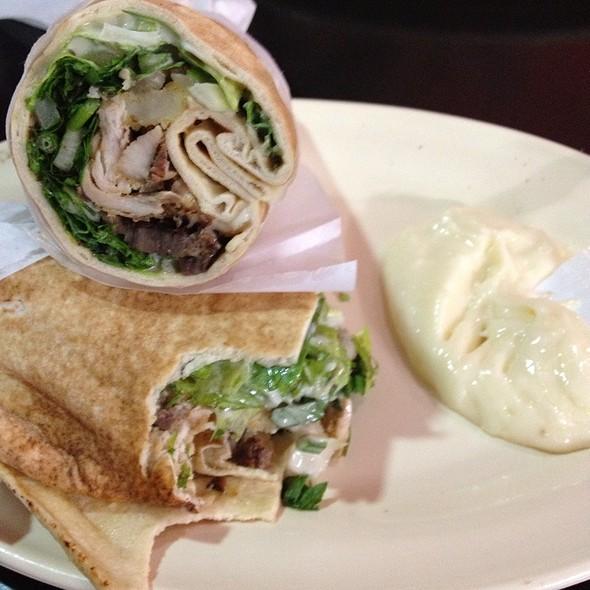 shawarma mixto @ Pincho Pan
