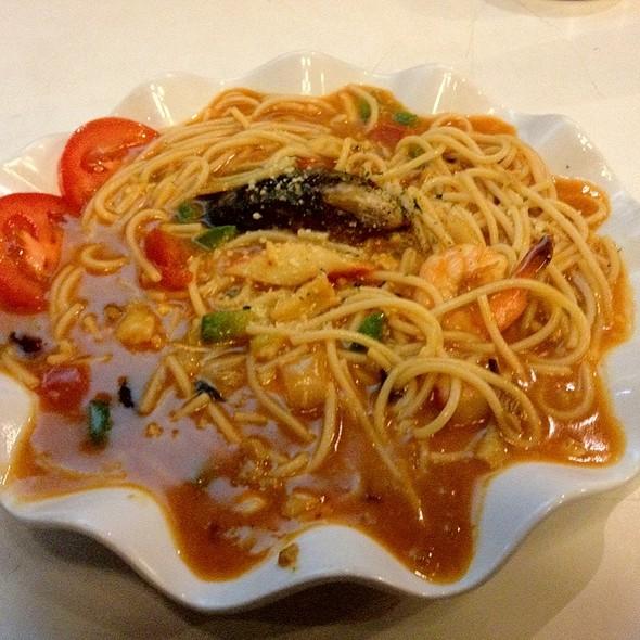 Spaghetti Aglio Olio @ The Gate Cafe