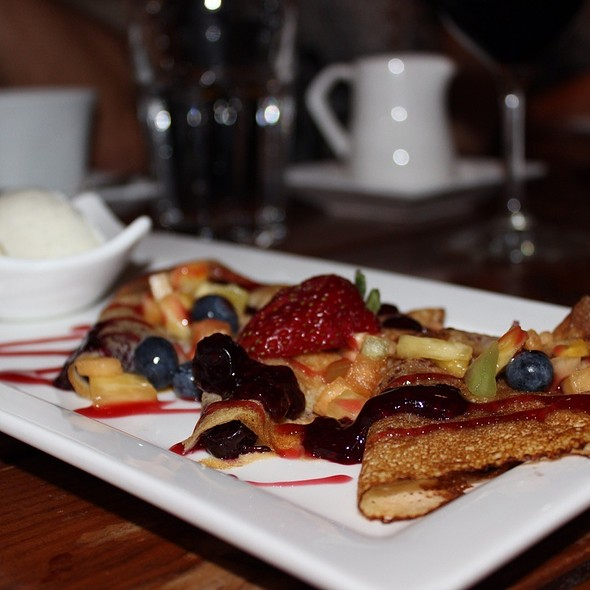 Fresh Crepes With Warm Berry Compote & Vanilla Ice Cream @ Tango Contemporary Cafe