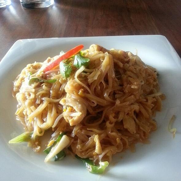 Chicken Pad Thai @ thai smile