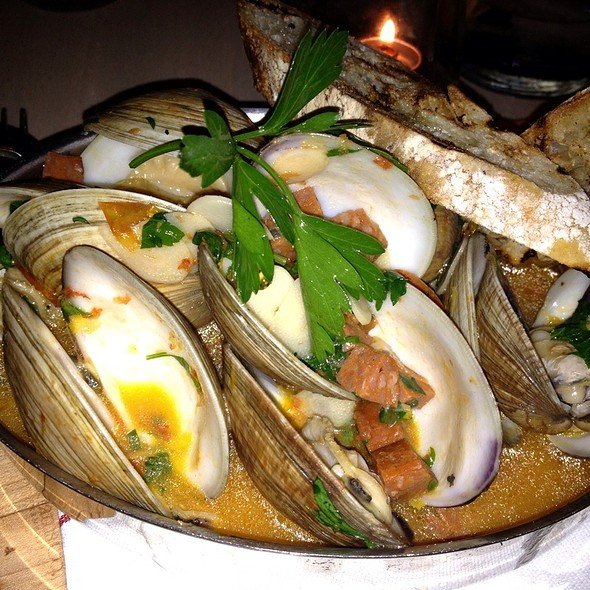 Beer Steamed Clams @ The Dutch