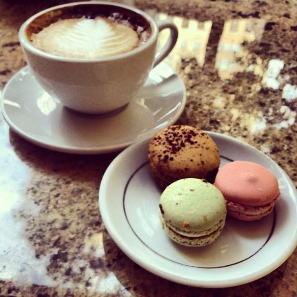 Macarons & Cappuccino