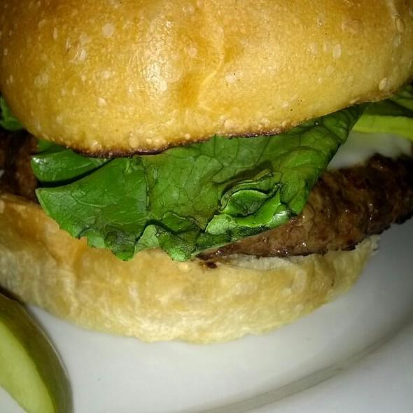 Avacado cheeseburger @ Burgers And Brew