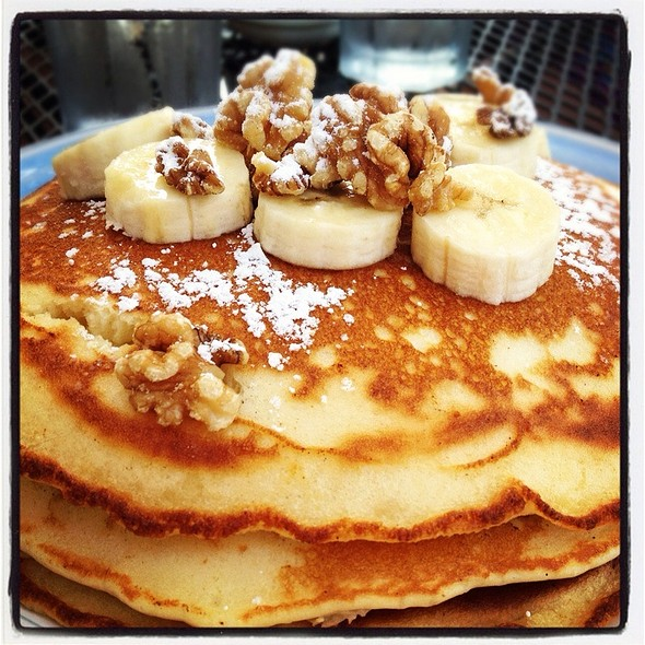 Banana Walnut Flap Jacks @ The Buttered Biscuit