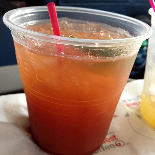 Bloody Mary @ Delta 86 MIA-JFK flight