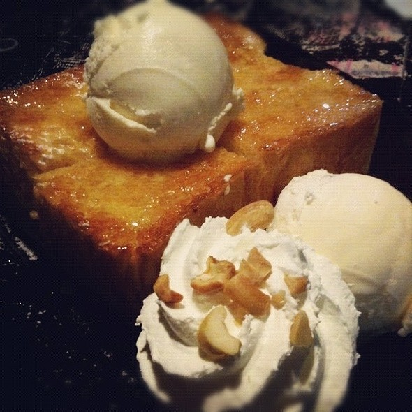 Honey Toast @ D.O.D Cafe Department of Desserts