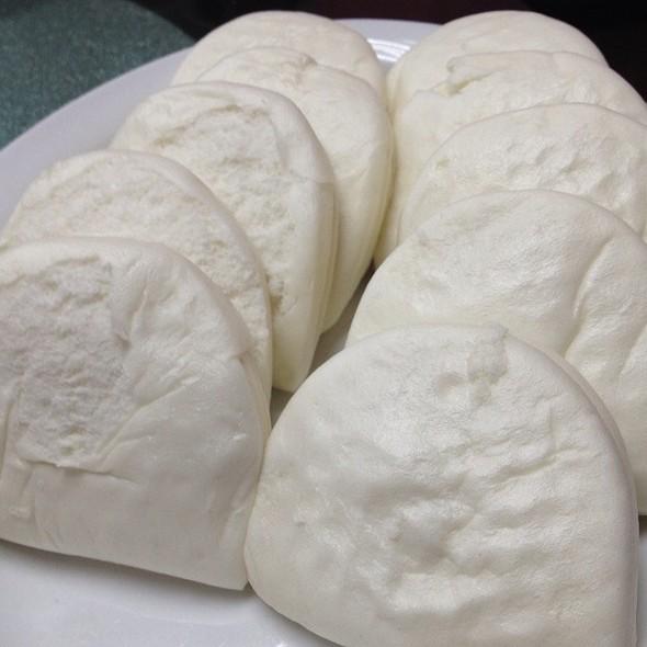 steamed buns @ Goon Wah Restaurant