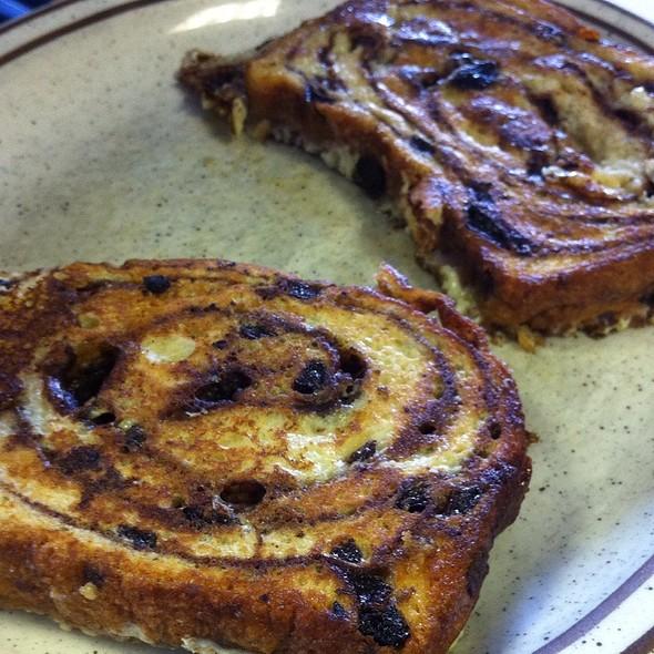 Cinnamon Raisin French Toast @ Juilleret's Restaurant