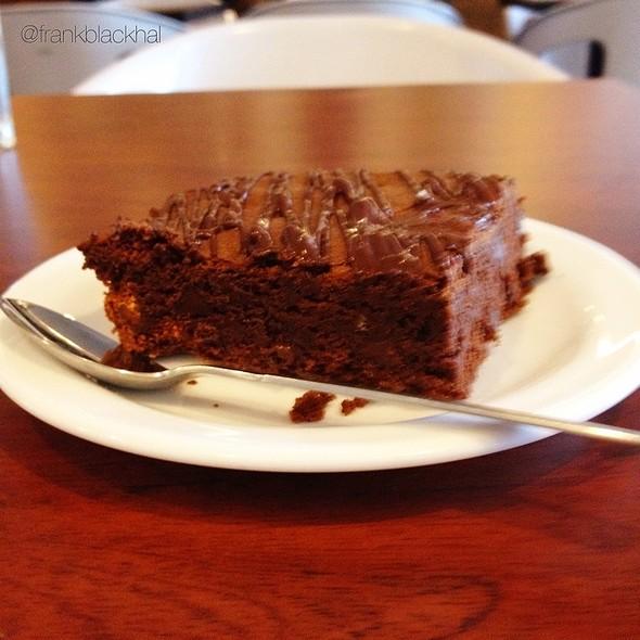 Brownie De Gianduilla Y Almendras @ Franca