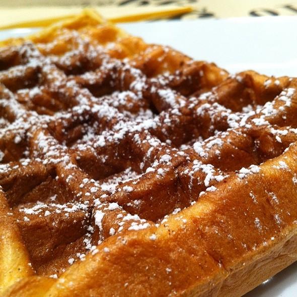 Waffles @ Moutarde Street