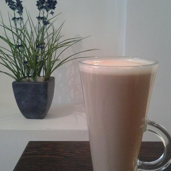 Caffe Latte @ Elliots Coffee House
