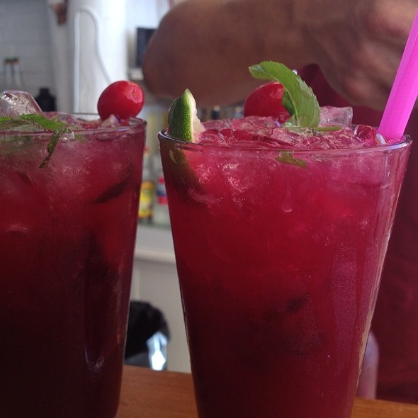 Pomegranate Mojito @ Nur Beach Hotel
