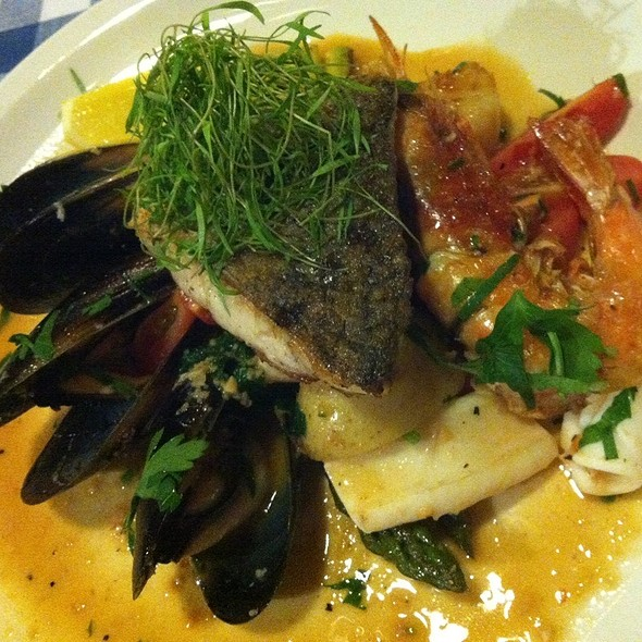 Grilled Seafood @ Pete's Place