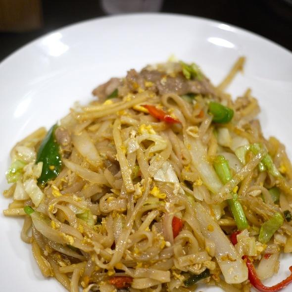 Pad Kee Mao @ タイ料理 ジャンピー