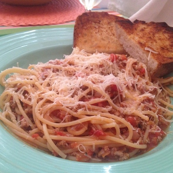 Spaghetti With Meat Sauce @ Home