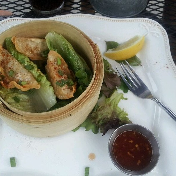 Chicken Wheatgrass Potstickers @ Youngstown Crab Co