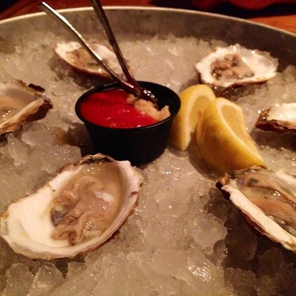 Oysters - Finz Salem, Salem, MA