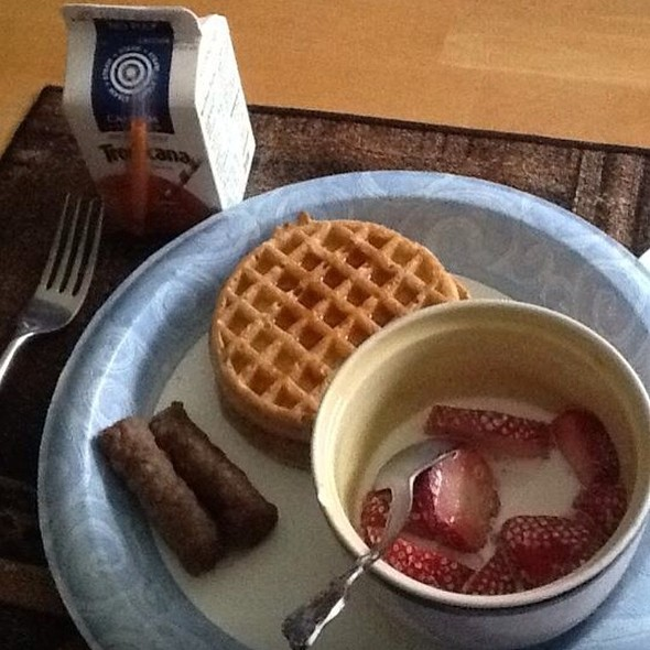 Waffles Turkey Sausage With Strawberry And Creme @ My Kitchen
